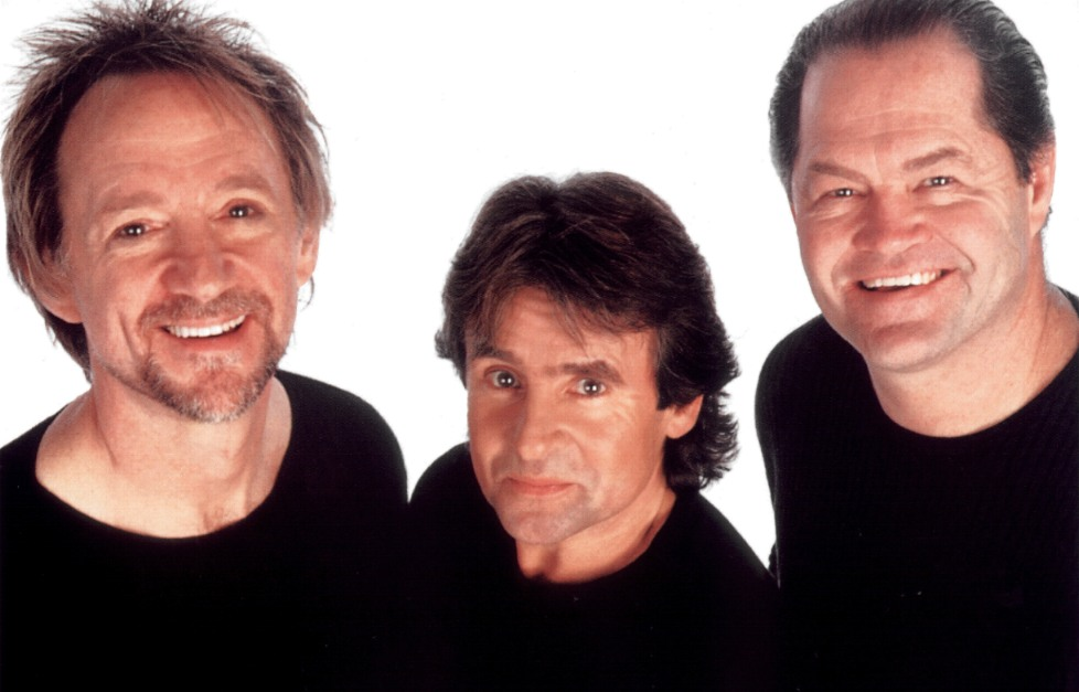 Photo of Monkees on 2001 Tour by Jenny Carlton