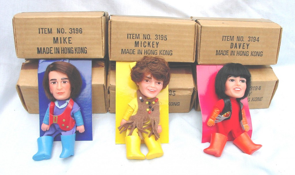 3DollswithBrownBoxes