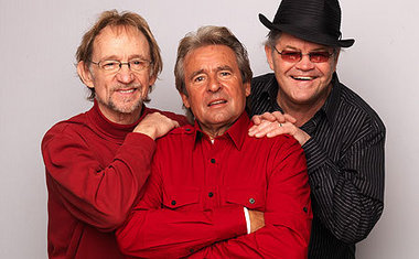 Monkees revive past hits at Mohegan Sun Arena