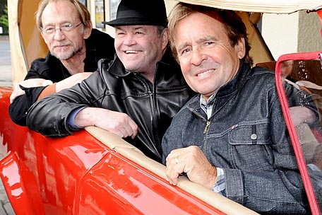 The Monkees' Davy Jones Recalls Beatles Friendship and Mike Nesmith's Disloyalty
