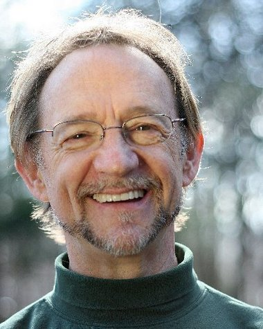 Peter Tork promises dancing bears and great music at Bay City's State Theatre